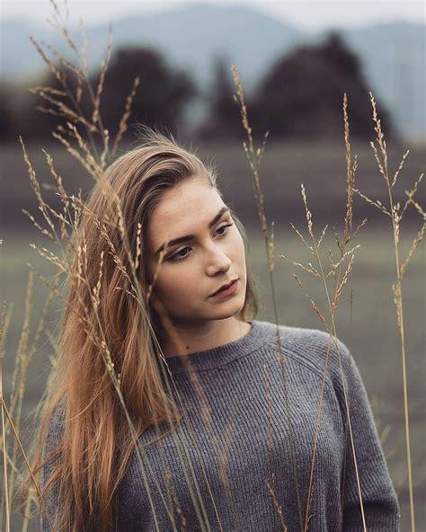 outdoor portrait photography lighting best 25 outdoor portraits ideas on outdoor
