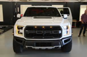 Ford F150 2017 7 Cool Facts About The 2017 Ford F 150 Raptor Motor Trend