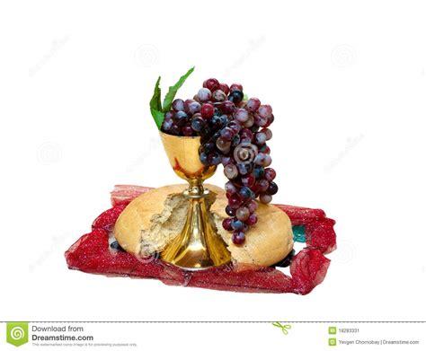Imagenes De Uvas Y Pan | uva pan y vino del cristianismo en taza imagen de archivo
