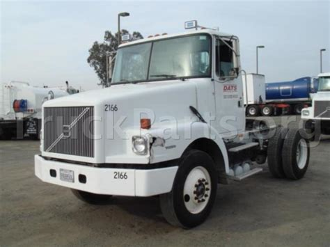 volvo wg salvagerepairable truck engine ved hp transmission rtb rears