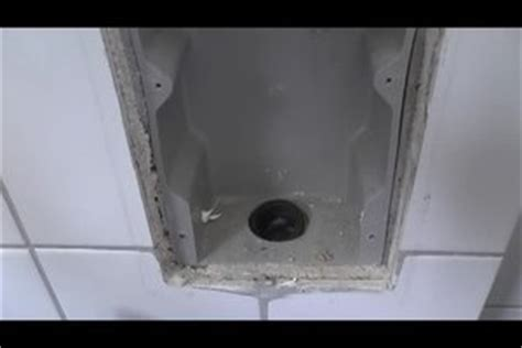 video waschmaschine ablaufschlauch anschliessen
