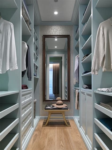 Walk In Closet In Small Bedroom by Best Small Walk In Closet Design Ideas Remodel Pictures