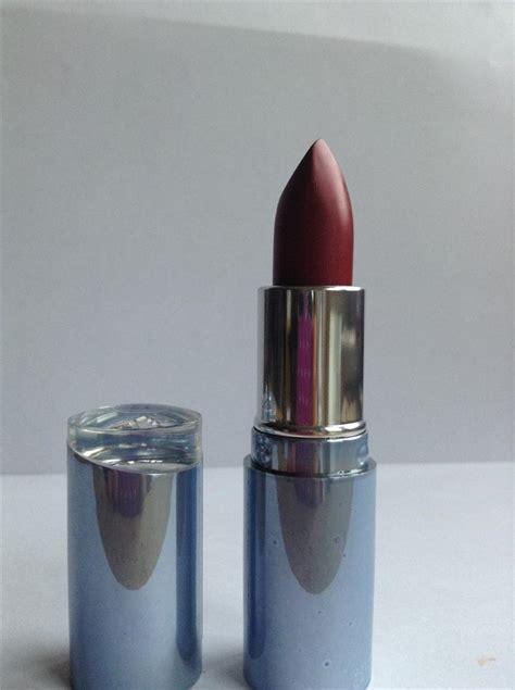 Lipstik Nivea nivea lipstick various colours new lip stick