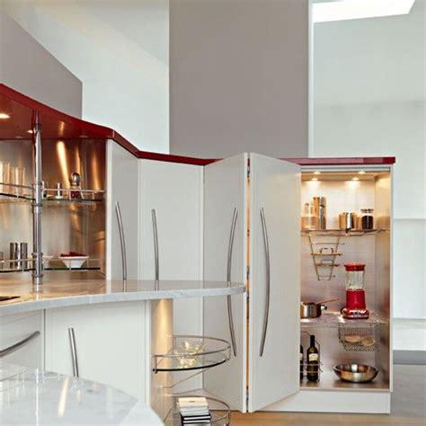 l armadio di italiano 17 migliori idee su illuminazione dell armadio su