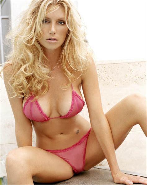 hot blonde sexy lil bikini