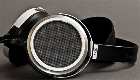 best closed headphones in the world top 10 most expensive headphones in the world in 2019