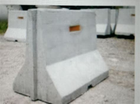 Pagar Pembatas Parkirroad Barrier jual buis beton kanstin uditch box culvert jual paving block conblock grass block panel