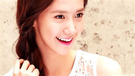 wallpaper gif korea yoona snsd fake gif snsd nude photo fake office girls