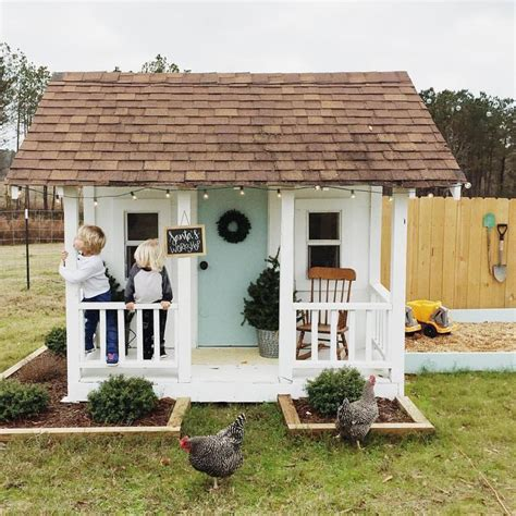 outdoor kids house 25 best ideas about kids outdoor playhouses on pinterest play houses backyard