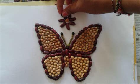 membuat kolase dari biji bijian seni rupa untuk anak usia dini teknik mozaik