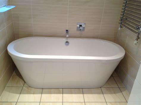 New Bathtub by Pearsons The Plumber New Bath