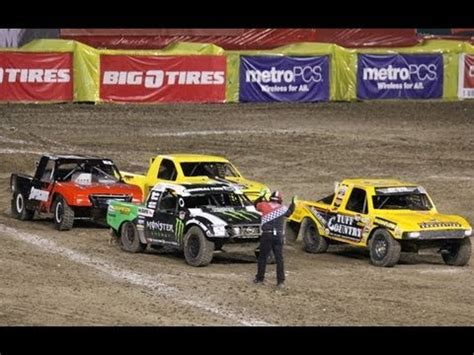 truck crashing stadium truck racing crashing