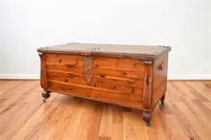 Blanket chest cedar chest antique hope chest wood trunk coffee