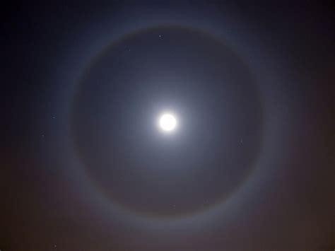 ring around the moon large distinct ring around the