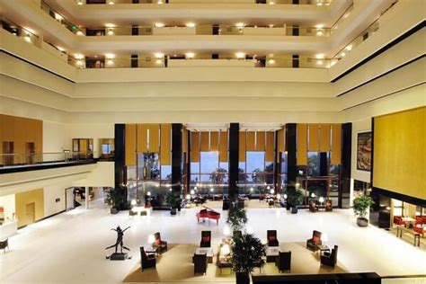 oberoi mumbai  years eve  hotel packages deals