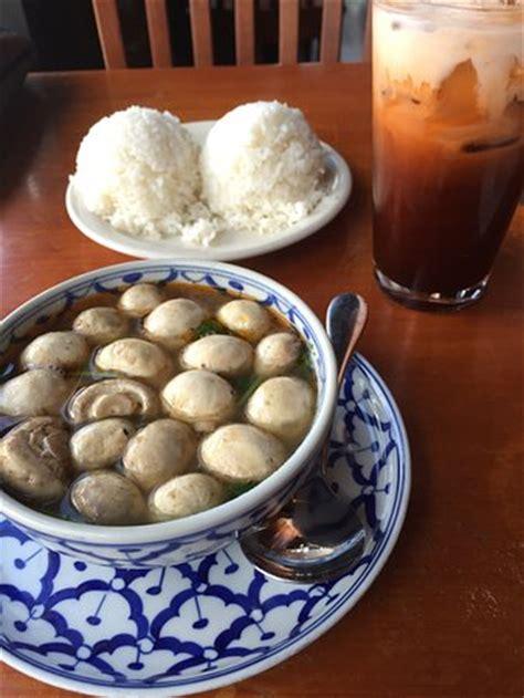 swing thai delivery swing thai asian restaurant 301 s pennsylvania st in