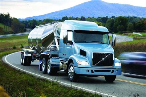 vnl  mid roof sleeper truck recycling product news