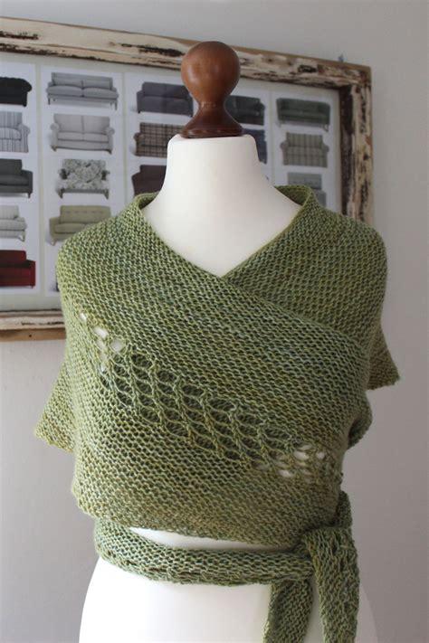 crescent shawl knitting pattern wollness crescent austrian crescent shawl pattern