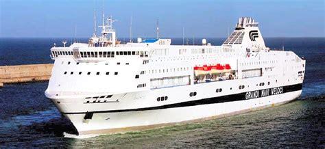 grandi navi veloci cabine traghetti grandi navi veloci prenota on line con