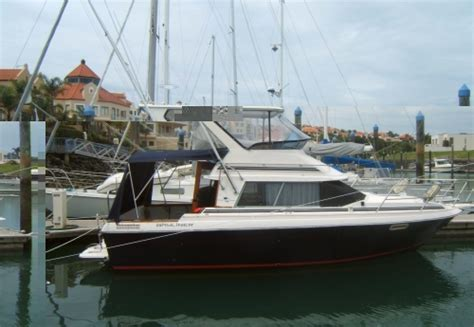 boats for sale whangarei 1986 bayliner 2556