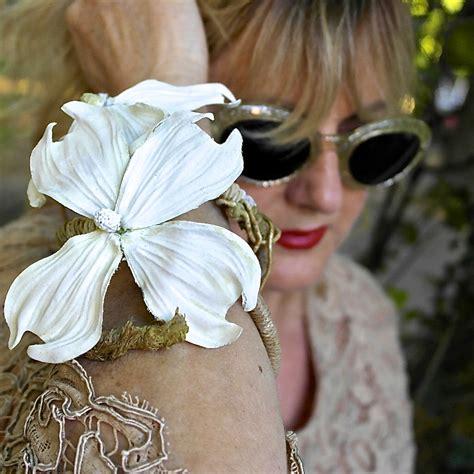 gioielli fiore tendenza gioielli al profumo di fiore pfg style