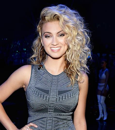 what side does tori kelly part her hair 1000 ideas about tori kelly on pinterest tori kelly