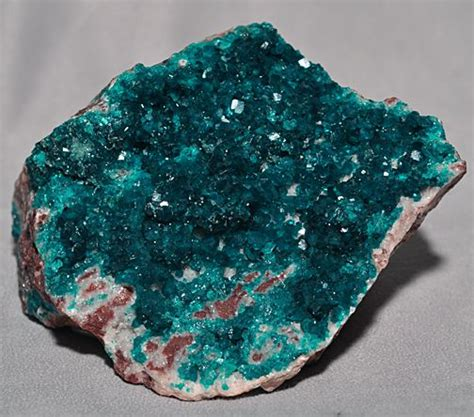 crystals and minerals green dioptase gem