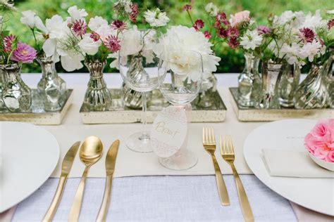 tischdeko hochzeit vasen zarte tischdeko und ein fruchtiger sweet table im vintage stil