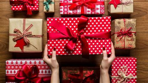 hundreds of unwanted christmas gifts listed on trade me