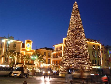 images of christmas in italy deck the holiday s italian christmas traditions