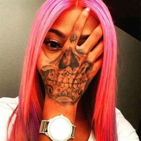 tattoo vorlagen love love love love skull hand tattoos tattoos pinterest