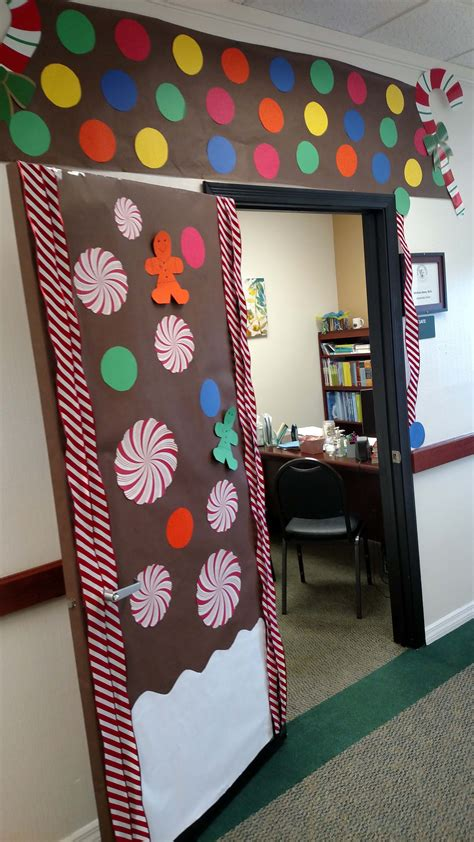 Door Decorating Contest by Orlando Holds A Door Decorating Contest Keiser