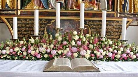 composizioni fiori chiesa addobbi floreali chiesa composizione fiori