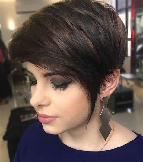 short haircuts for brunette women over 40 10 short hairstyles for women over 40 pixie haircuts 2018