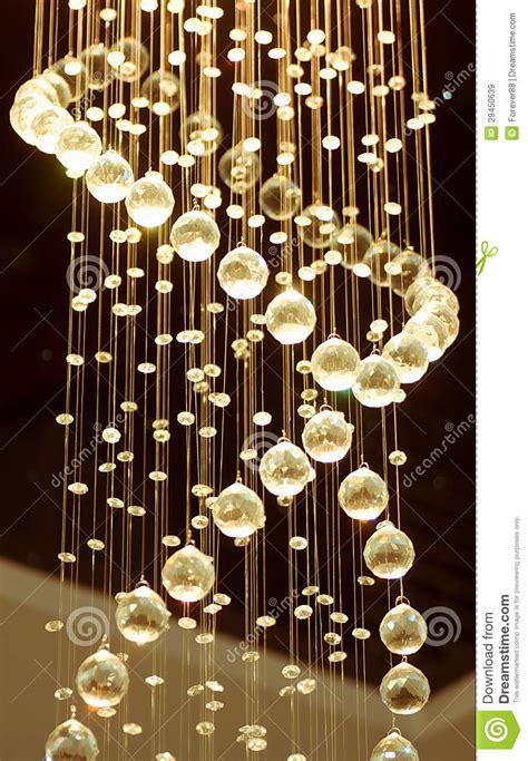 moderne kristallleuchter moderner kristallleuchter lizenzfreie stockbilder bild
