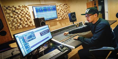 Recording Engineer Description by Sound Engineer Record Factory Seoul