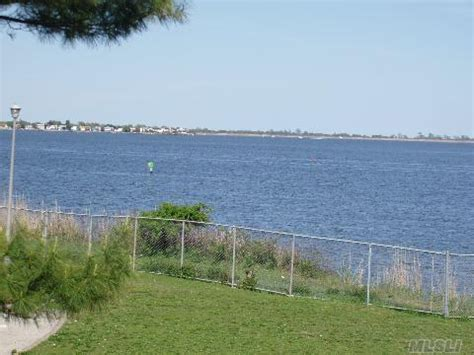 oceanside park oceanside ny oceanside bayview from park photo picture image new york at city