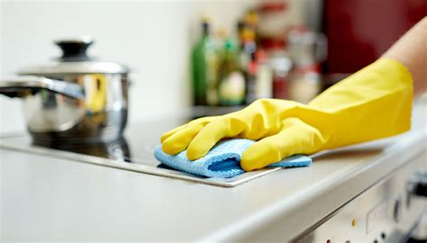 Cleaning Kitchen by Our Best Kitchen Cleaning Tips