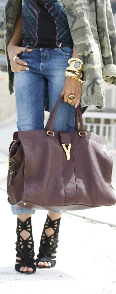 Handbag Gucci W8440 Wea is this a suitcase or a handbag you could carry the kitchen sink in it but we it