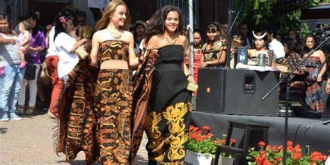 Kain Tenun Asli Ntt Dari Pulau Sabu wow tenun ikat tradisional flobamora til di brussel