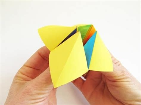 Easy Origami Toys - traditional cootie catcher sacapiojos
