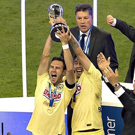 el capitan del america miguel layun alzo el trofeo de la liga mx el capit 225 n lay 250 n alza la n 250 mero 12 futbol sapiens