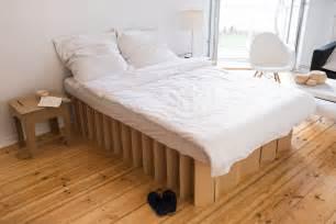 schrank aus pappe basteln roominabox how cardboard furniture can change your
