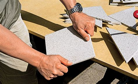 fliesen schneiden maschine balkon fliesen steinboden teppichboden selbst de