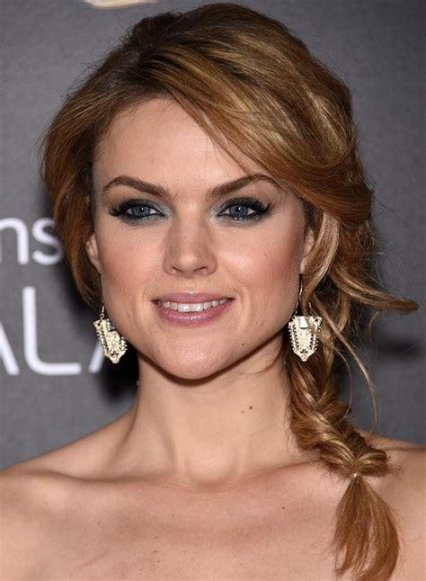 hairstyles for round face short forehead short hairstyles for round face high forehead hair