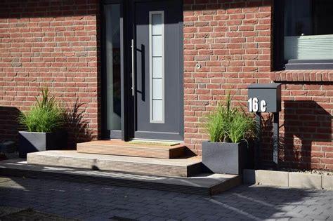 Garten Eingangsbereich Gestalten by Hauseingang Gestalten Treppe Vom Eingangsbereich Au 223 En