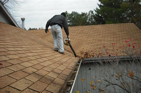 the best way to clean gutters clean pro gutter cleaning