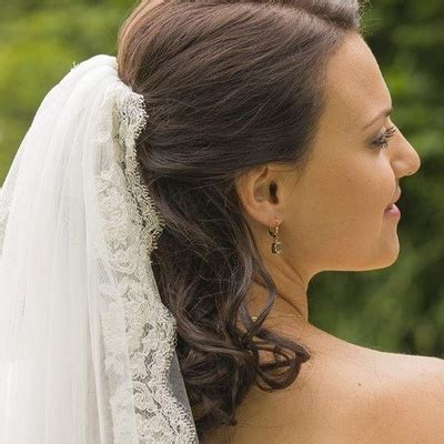Brautfrisuren Offen Mit Schleier by Brautfrisur Halboffen Mit Schleier