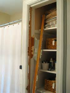 Bathroom Closet Door Ideas by Take The Door Off Your Bathroom Linen Closet For A Chic