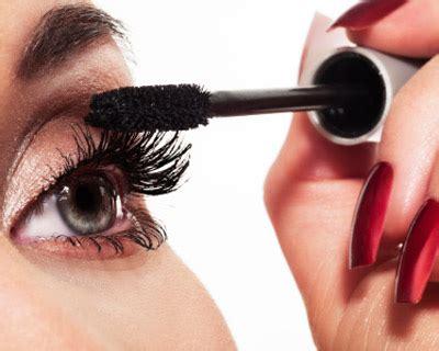 best dramatic mascara how to apply dramatic mascara
